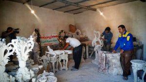 مافیکندی روستایی با تولید هفتگی ۸۵ تُن مجسمه که بیکار ندارد
